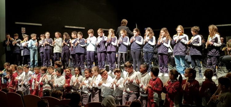 Els alumnes de 5è C i D, de concert amb la Banda Municipal de Música de Palma