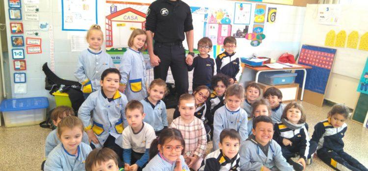"2n D Ei – ""Projecte la policia"""