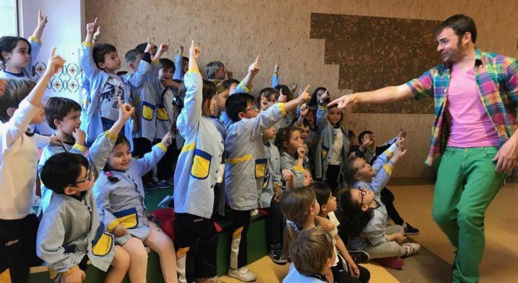 Teatre a infantil amb en Joan de sa Maleta i el Professor Àtom