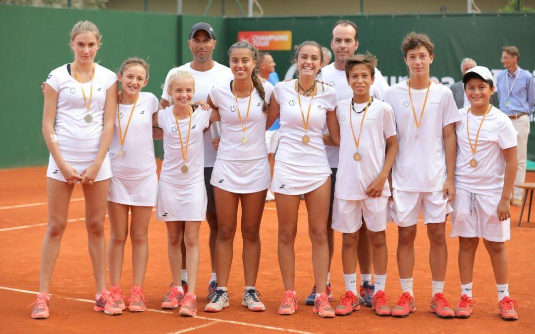 Nuestros alumnos Núria Matas, Paula Cabrer y Ricard Garaví participan en la Legends Cup 2018 de tenis